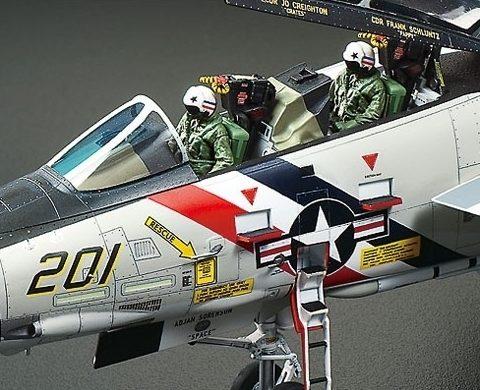 61114tamiya-f-14a-tomcat-modello-1-48-foto2
