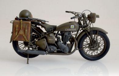 italeri-7402-moto-triumph-3hw-foto1