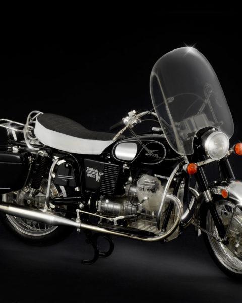 moto-guzzi-california-modello-statico-italeri