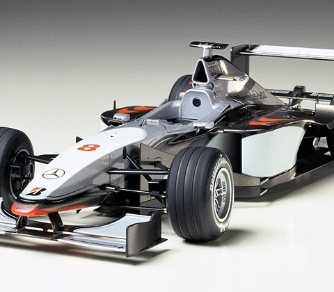 tamiya-89718-mclaren-mercedes-mp4-13