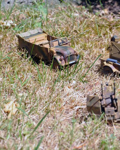 Modelli della camionetta e della Flak non inclusi
